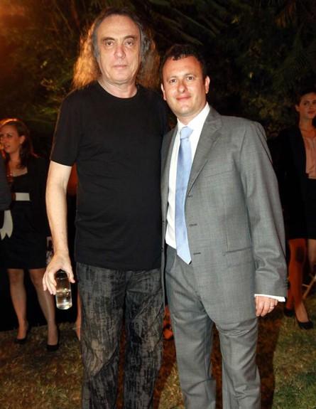 צביקה פיק והשגריר (צילום: אמיר מאירי)