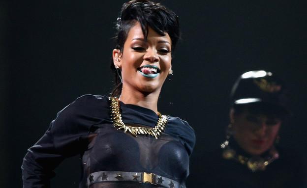 ריהאנה על הבמה במופע Diamonds (צילום: Cameron Spencer, GettyImages IL)