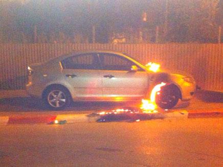 מכונית הגננת עולה באש