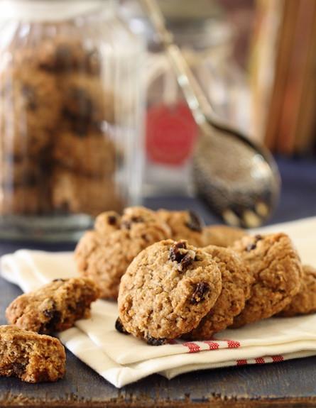 עוגיות שיבולת שועל וצימוקים מוכנות