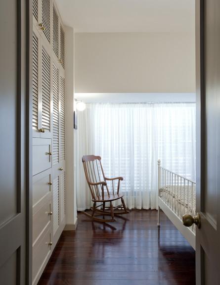 תל אביבית, חדר שינה גובה (צילום: הגר דופלט)