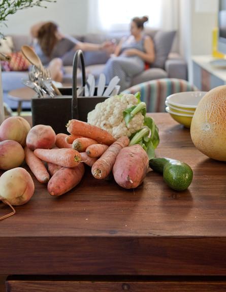 תל אביבית, מטבח גזרים גובה (צילום: הגר דופלט)