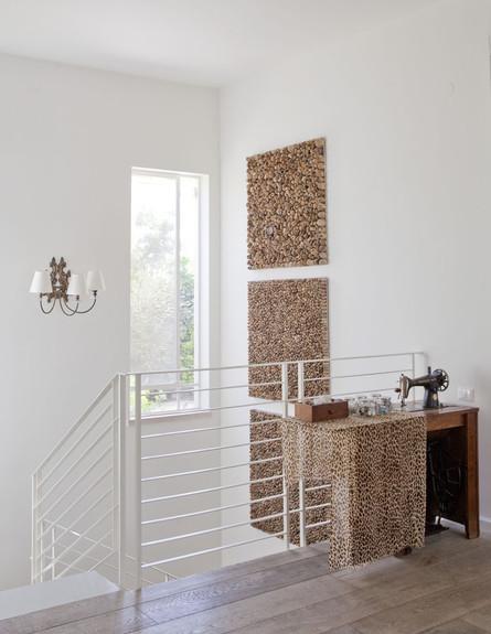 כפר הס, מכונת תפירה מדרגות