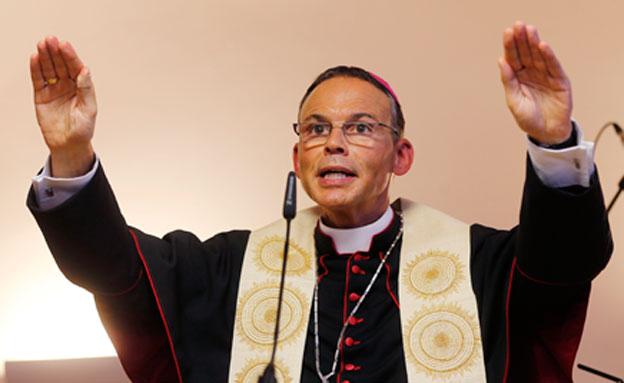 הבישוף הנהנתן (צילום: AP)