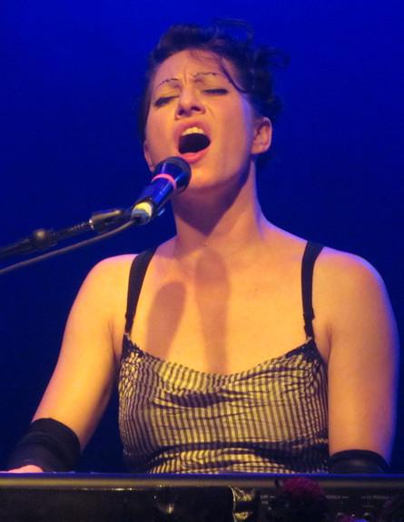 אמנדה פאלמר בהופעה