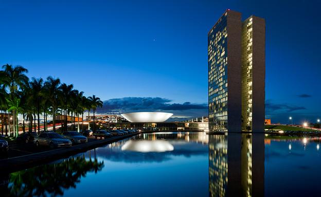ברזיליה, בניין הקונגרס הלאומי מים (צילום: Andrew Prokos Architectural Photography)