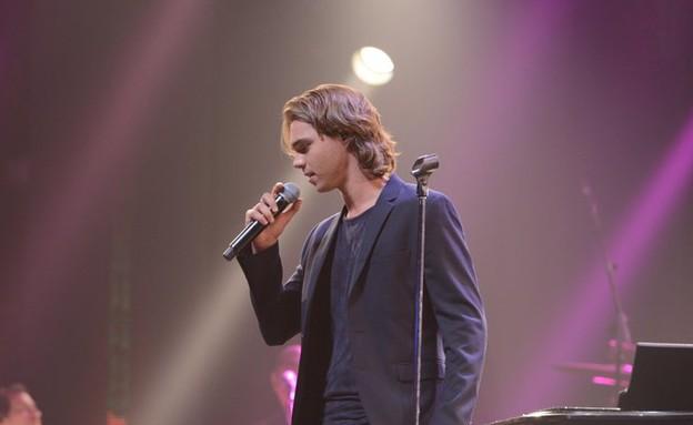 דוד דריי על הבמה (צילום: שרון רביבו)