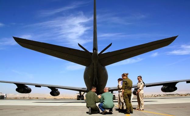 טייסת ענקי המדבר (צילום: אלדד אלמוזנינו)