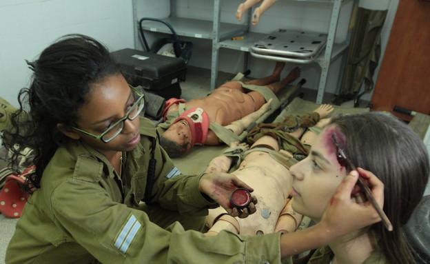 """מאפרת פצועים (צילום: מתן פאר, עיתון """"במחנה"""")"""