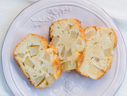 עוגת אגסים ושקדים בחושה (צילום: בני גם זו לטובה, אוכל טוב)