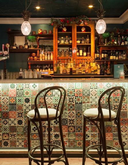 מסעדה לונדון, בר גובה (צילום: DTWO Design)