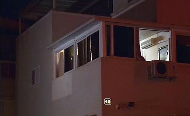זירת ירי בבית באשדוד (צילום: חדשות 2)