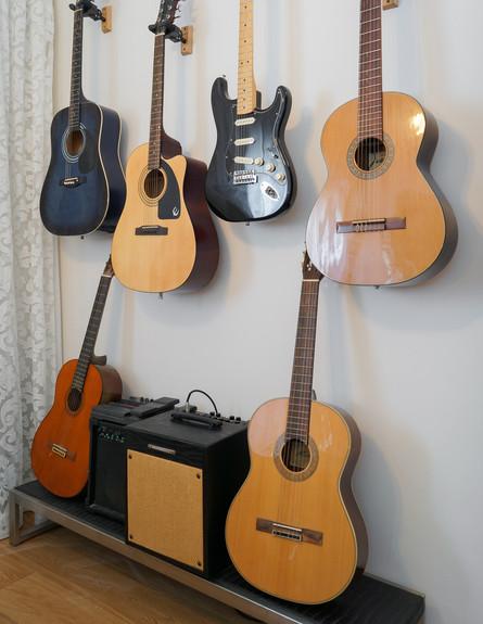 פנטהאוז חלי ישראלי, חדר גיטרות גובה
