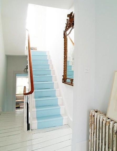 שדרוג מדרגות, תכלת (צילום: www.artbarblog.com)
