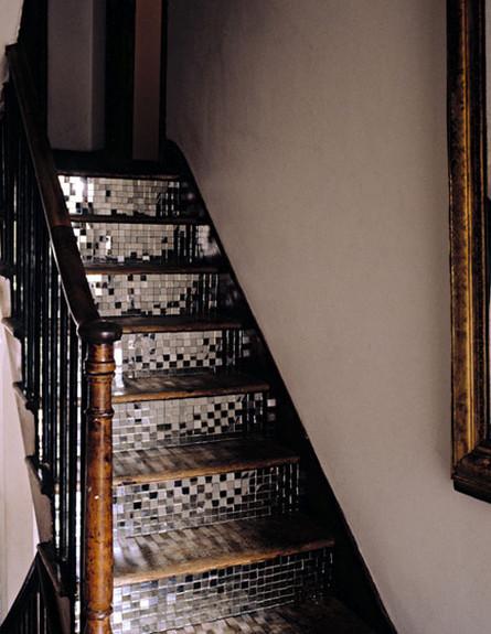 שדרוג מדרגות, כסוף (צילום: www.bohemianhellhole.com)