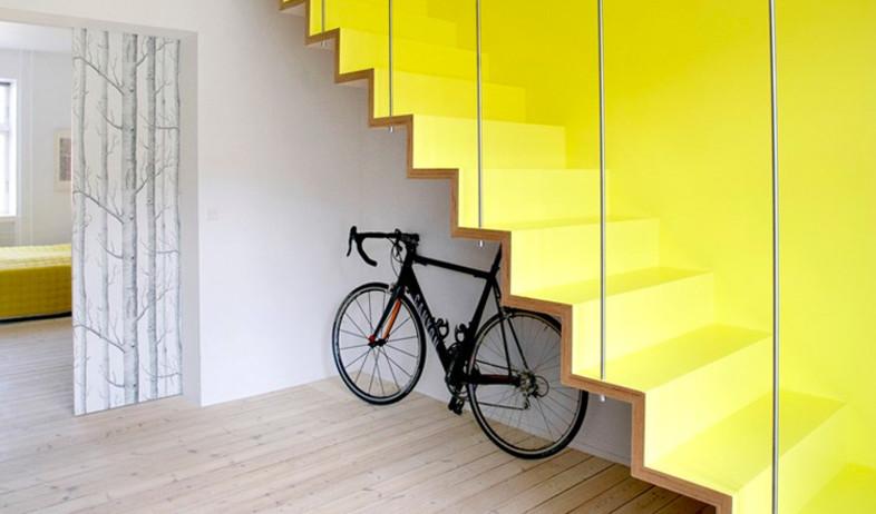 שדרוג מדרגות, צהוב חזק (צילום: www.desiretoinspire.net @Hanne Fuglbjerg)