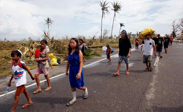 מאות אלפים נותרו ללא קורת גג (צילום: רויטרס)