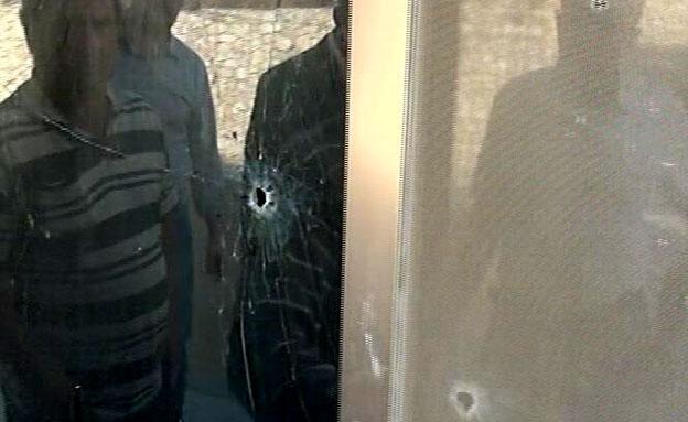 מי ירה לעבר ביתו של רופא מהגליל? (צילום: חדשות 2)