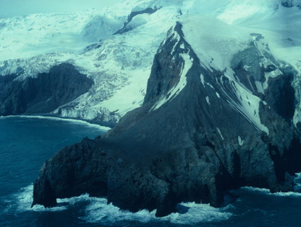 אי בודד, אי (צילום: Norwegian Polar Institute)