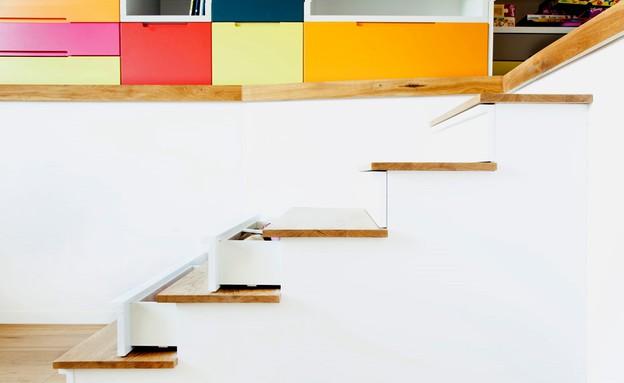 קומת ילדים, חדר מגירות מדרגות גובה (צילום: שרון קנה)