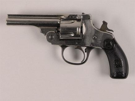 אחד האקדחים ששימשו את אוסוולד