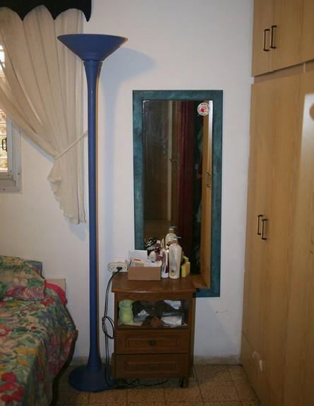 חדר שינה ב-24, לפני מראה גובה (צילום: שרון שחר)