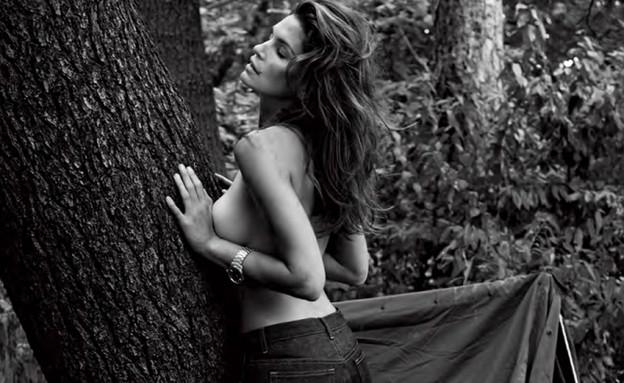 סינדי קרופורד טופלס (צילום: מתוך V Magazine)