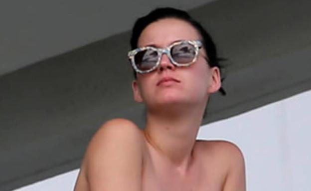 קייטי פרי בביקיני