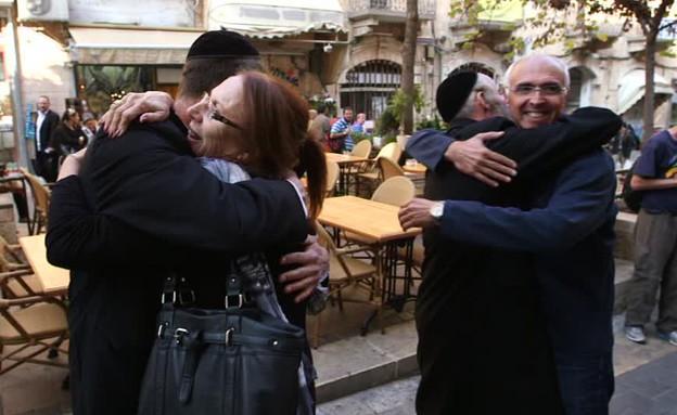 האחים גת פוגשים את אמא (תמונת AVI: mako)