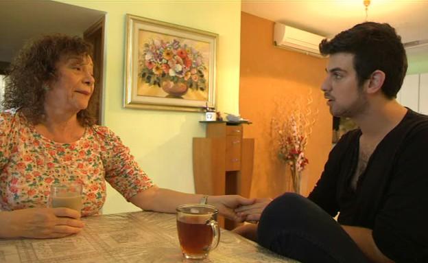 עומר דץ פוגש את סבתא (תמונת AVI: mako)