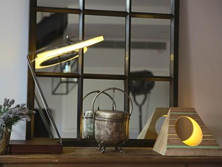 הפקת אור, סטודיו אושקי חלון (צילום: לימור הרצוג אהרוני)