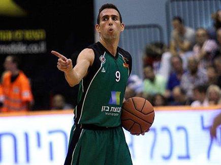 לא נחים לרגע. מורן רוט ומכבי חיפה (אתר המנהלת) (צילום: ספורט 5)