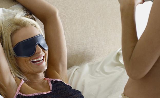 זוג לסביות במיטה (צילום: אימג'בנק / Thinkstock)
