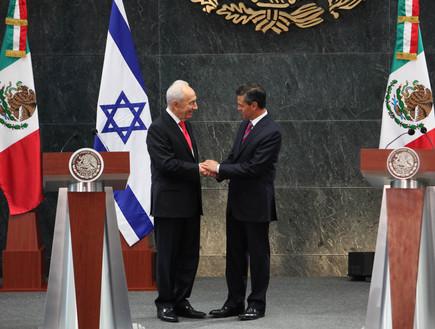 פרס במקסיקו, AP