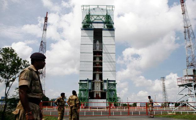 השיגור בהודו, נובמבר 2013 (צילום: AP)