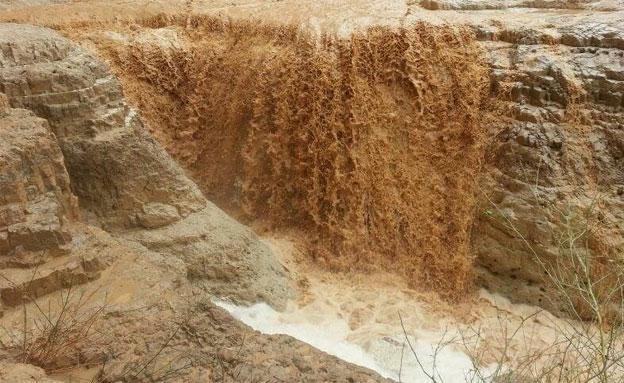 2 גופות נמצאו בשיטפון (צילום: תומר נואמה)