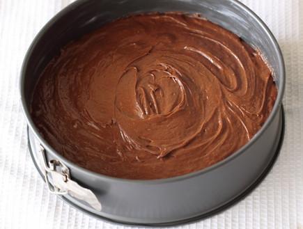 עוגת שוקולד עשירה שלב שלישי