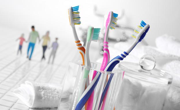 הכי מלוכלכים, מחזיק למברשות שיניים (צילום: אימג'בנק / Thinkstock)