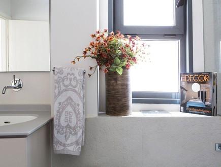ענת סודרי, חדר רחצה פרחים
