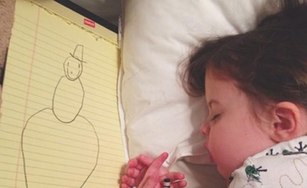 רגע לפני השינה, ילדה מציירת (צילום: thestir.cafemom.com)