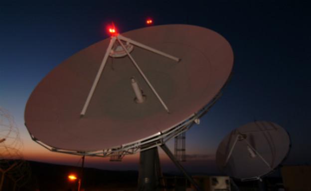 """צלחות לוויין (צילום: דובר צה""""ל)"""