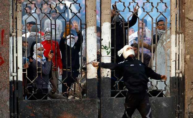 העימותים באוניברסיטת אל-זהאר (צילום: רויטרס)