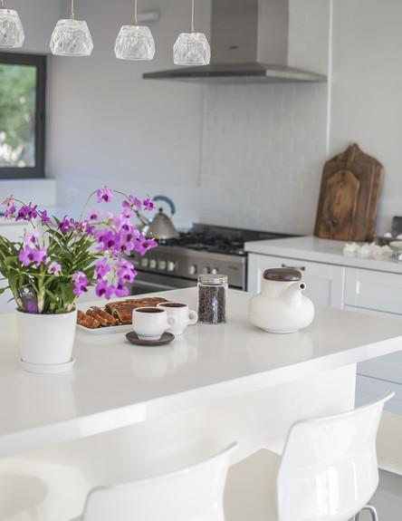 מירב שדה, מטבח בר מנורות גובה, צילום סיון אסקיו (צילום: סיון אסקיו)
