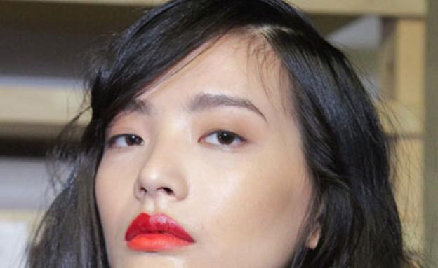שני גוונים לשפתיים - תמונה חמישית (צילום: cosmopolitan)