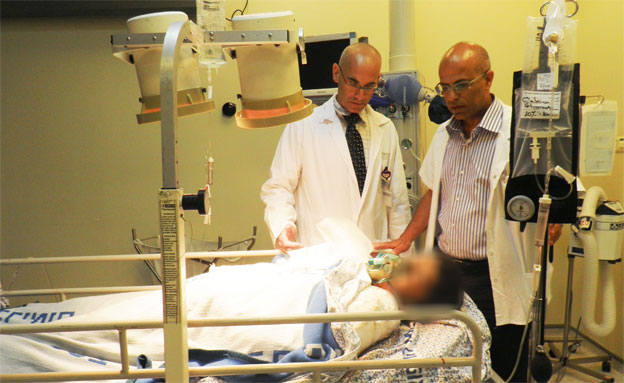 """פצוע סורי בביה""""ח זיו בצפת (צילום: חנה ביקל)"""