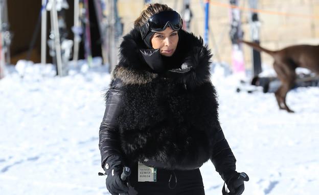 קים קרדשיאן עושה סקי  (צילום: AKM-GSI / Splash News, Splash news)