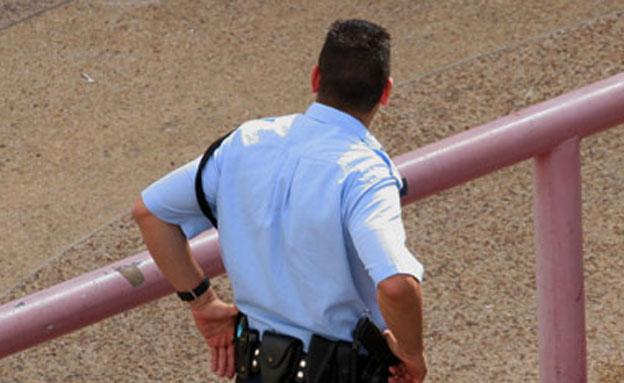 השוטר המאויים בישראל תובע את המדינה (צילום: חדשות 2)