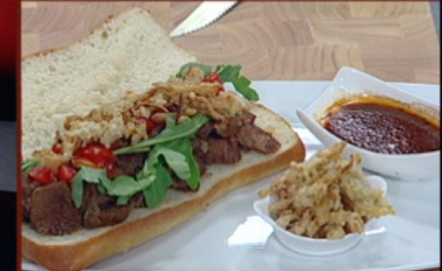 סנדוויץ' צלעות ברוטב מולה של ג'וש סטיל (תמונת AVI: mako)