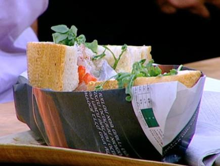 סנדוויץ' דג פלמידה של עידו קרוננברג