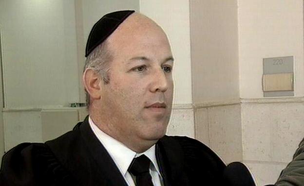 אבי לביא, עורך דין של קצב (צילום: חדשות 2)